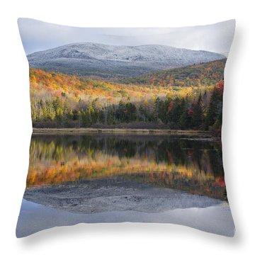 Kiah Pond - Sandwich New Hampshire Throw Pillow