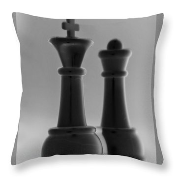 King And Queen In Black And White Throw Pillow by Rob Hans