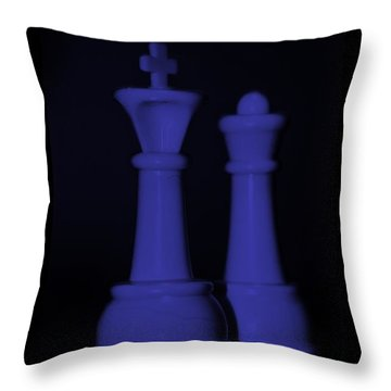 King And Queen In Purple Throw Pillow by Rob Hans