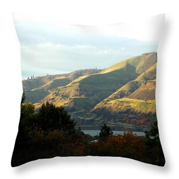Klickitat Autumn Throw Pillow