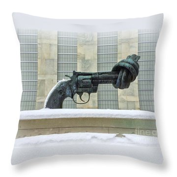 Knotted Gun Sculpture At The United Nations Throw Pillow