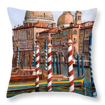 La Chiesa Della Salute Sul Canal Grande Throw Pillow