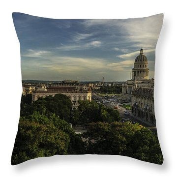 La Habana Cuba Capitolio Throw Pillow