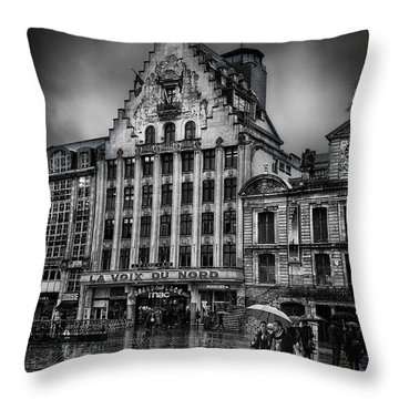 La Voix Du Nord Throw Pillow