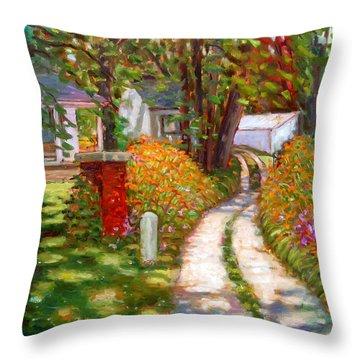 La015 Throw Pillow