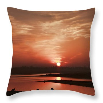 Lake Folsom California Sunset Throw Pillow