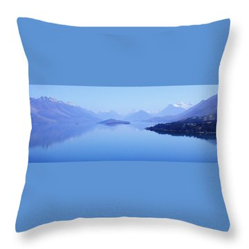 Lake Glenorchy New Zealand Throw Pillow