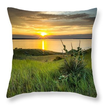 Lake Oahe Sunset Throw Pillow
