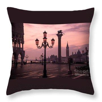 Lamppost Of Venice Throw Pillow