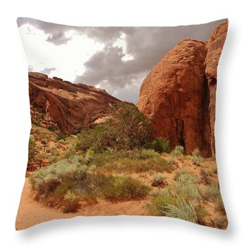 Landscape Arch - Utah Throw Pillow