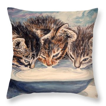 Lap Of Luxury Kittens Throw Pillow by Linda Mears