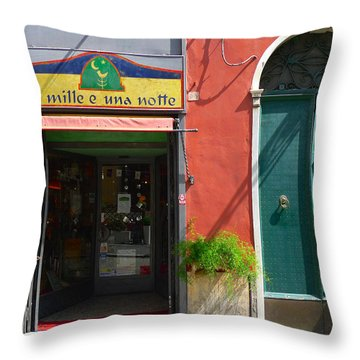 Le Mille E Una Notte Throw Pillow