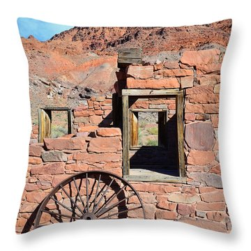 Lee's Ferry Az Throw Pillow