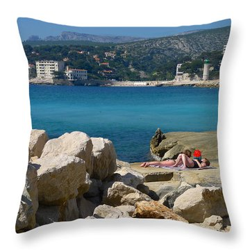 Leisure In Cassis Throw Pillow