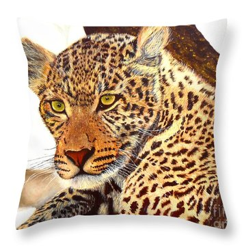 Leopard Point Of View Throw Pillow
