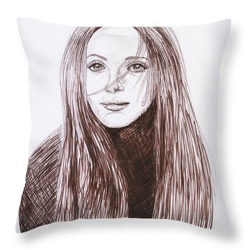 Leslie Mann Throw Pillow by M Valeriano
