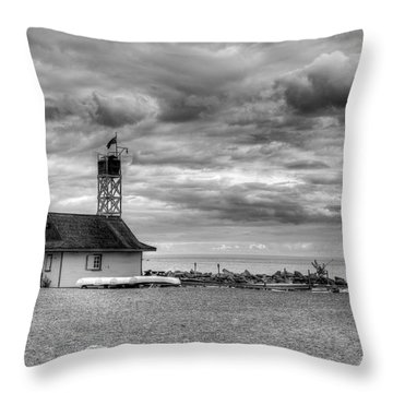 Throw Pillow featuring the photograph Leuty Lifeguard Station by Ross G Strachan