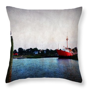 Lewes - Overfalls Lightship 2 Throw Pillow