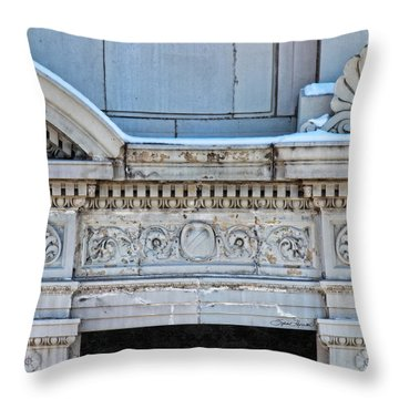 Lincoln County Courthouse Door Arch Throw Pillow