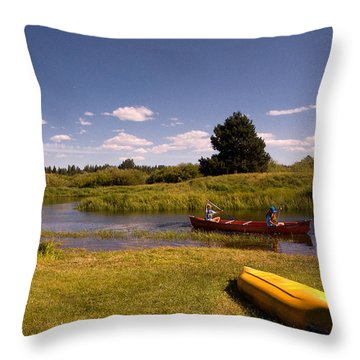 Little Deschutes River Bend Sunriver Thousand Trails Throw Pillow