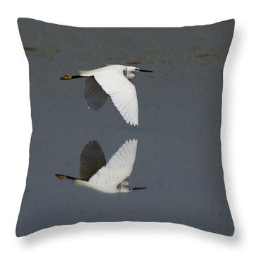 Little Egret In Flight Throw Pillow