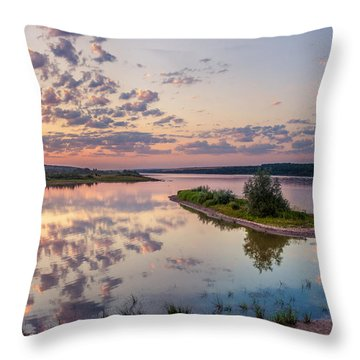 Little Island On Sunset Throw Pillow