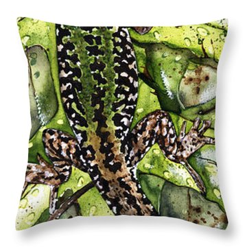 Lizard In Green Nature - Elena Yakubovich Throw Pillow