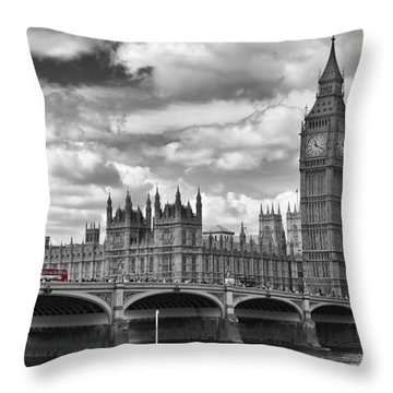 London River Thames And Red Buses On Westminster Bridge Throw Pillow