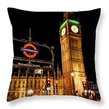 London Scene 2 Throw Pillow