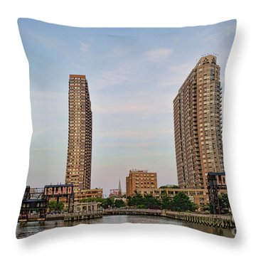 Long Island Throw Pillow