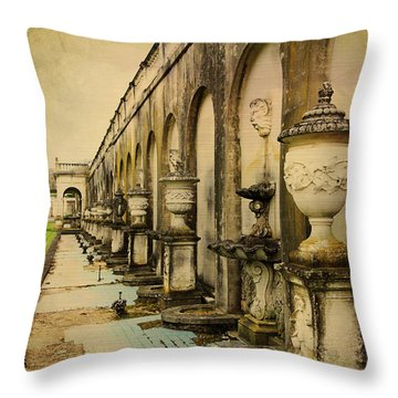 Longwood Gardens Fountains Throw Pillow