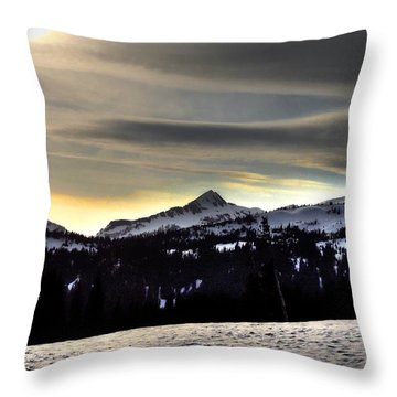 Looking West At Pyramid Peak Throw Pillow