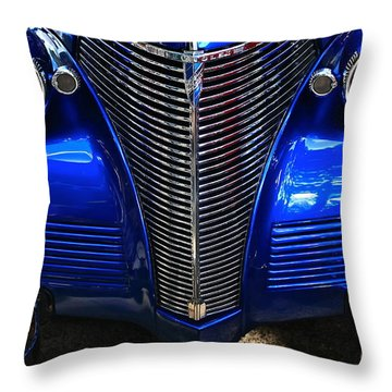 Throw Pillow featuring the photograph Loook Into My Eyeees by Linda Bianic