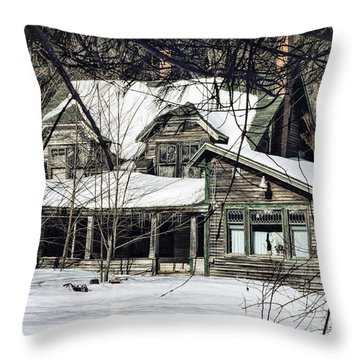 Lost In Time Throw Pillow by Susan Capuano