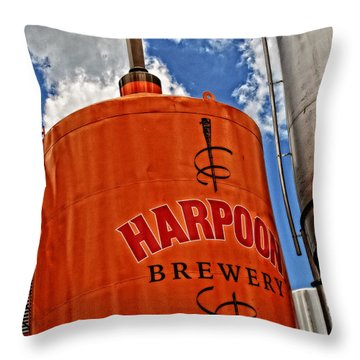 Love Beer Throw Pillow