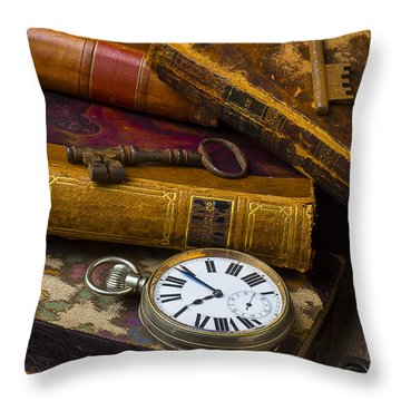 Love Old Books Throw Pillow