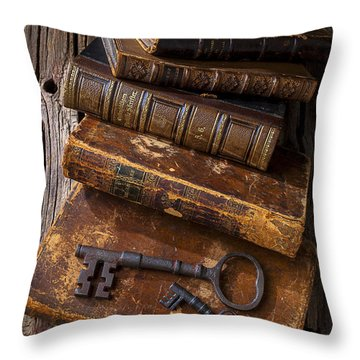 Love Reading Throw Pillow by Garry Gay