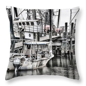 Low Country Small Craft Throw Pillow