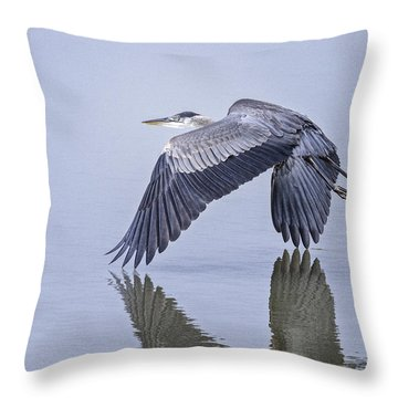 Low Flying Heron Throw Pillow
