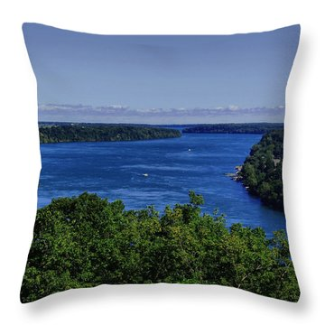 Lower Niagara River Throw Pillow
