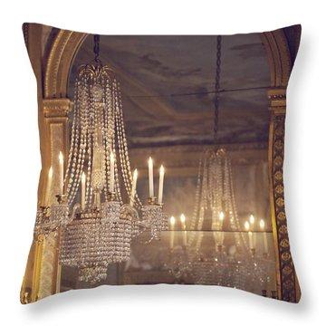 Lustre De Fontainebleau - Paris Chandelier Throw Pillow