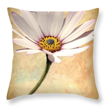 Maisy Daisy Throw Pillow