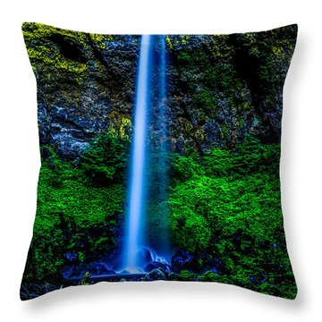 Majestic Elowah Falls Oregon Throw Pillow