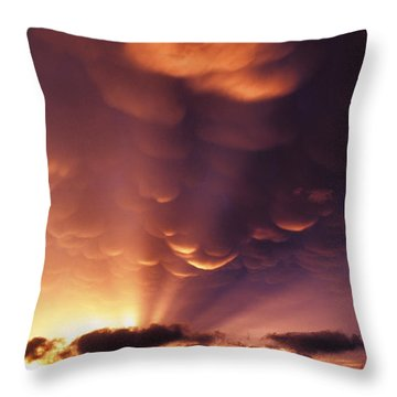 Mammatus Sunset Over Colorado Throw Pillow