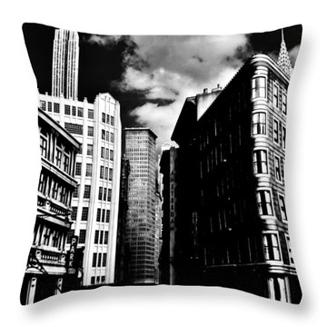 Manhattan Highlights B W Throw Pillow by Benjamin Yeager