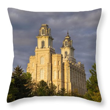 Throw Pillow featuring the photograph Manti by Dustin  LeFevre
