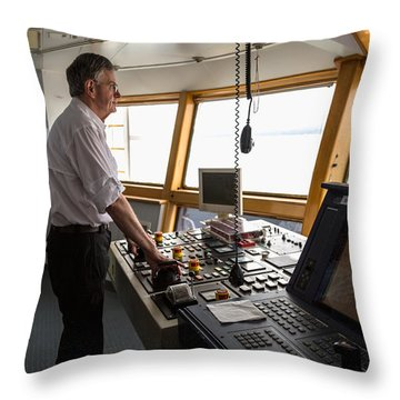 Manuevering Z-drive Ship Throw Pillow