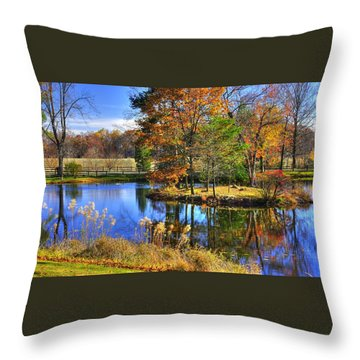 Maryland Country Roads - Autumn Respite No. 1 - Stronghold Sugarloaf Mountain Frederick County Md Throw Pillow