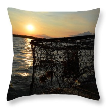 Maryland Crabber's Horizon Throw Pillow