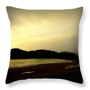 Matapouri At Sunrise Throw Pillow